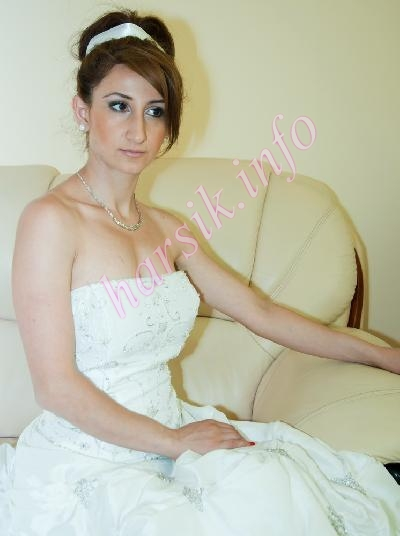 Wedding dress 84719852