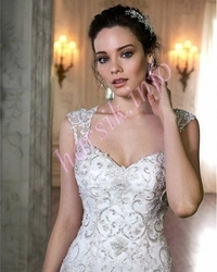 Wedding dress 126995274