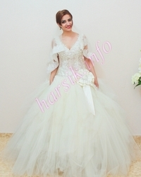 Wedding dress 217354833