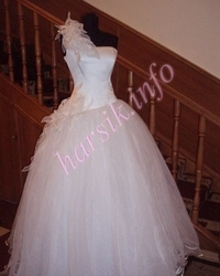 Wedding dress 43913309