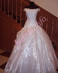 Wedding dress 104377873