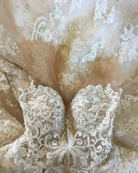Wedding dress 158852042