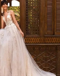 Wedding dress 448377334