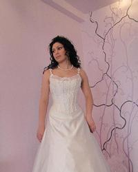 Wedding dress 186086549