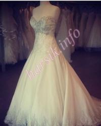 Wedding dress 148479097