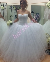 Wedding dress 372350638