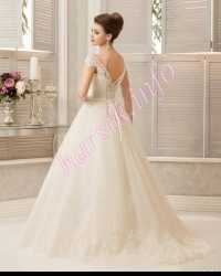 Wedding dress 760218366