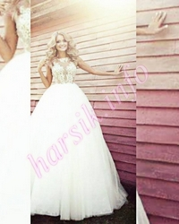 Wedding dress 133185806