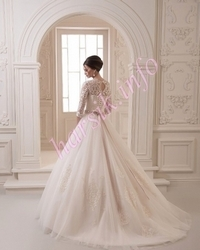 Wedding dress 664698386