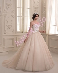 Wedding dress 592226885