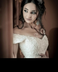 Wedding dress 371892497