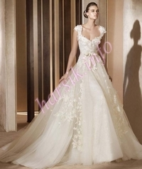 Wedding dress 333798149
