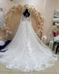 Wedding dress 570098494