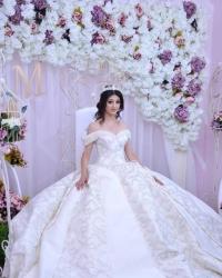 Wedding dress 807087906