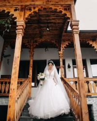 Wedding dress 71880947