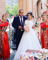 Wedding dress 360426611