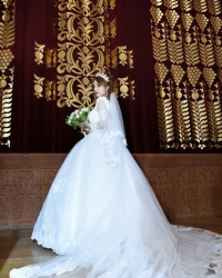 Wedding dress 719544176