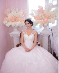 Wedding dress 568285224