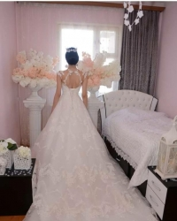 Wedding dress 768258902
