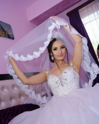 Wedding dress 444579351