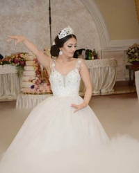 Wedding dress 731832088