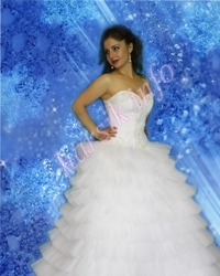 Wedding dress 104685080