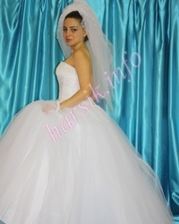 Wedding dress 379827685