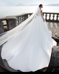 Wedding dress 469737582