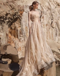 Wedding dress 339833884
