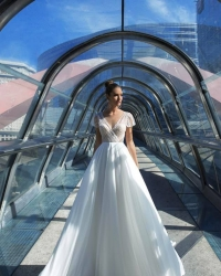 Wedding dress 934144178