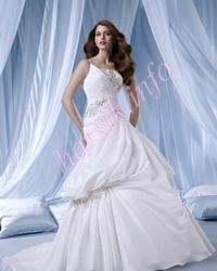 Wedding dress 447190944