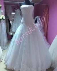 Wedding dress 152877696